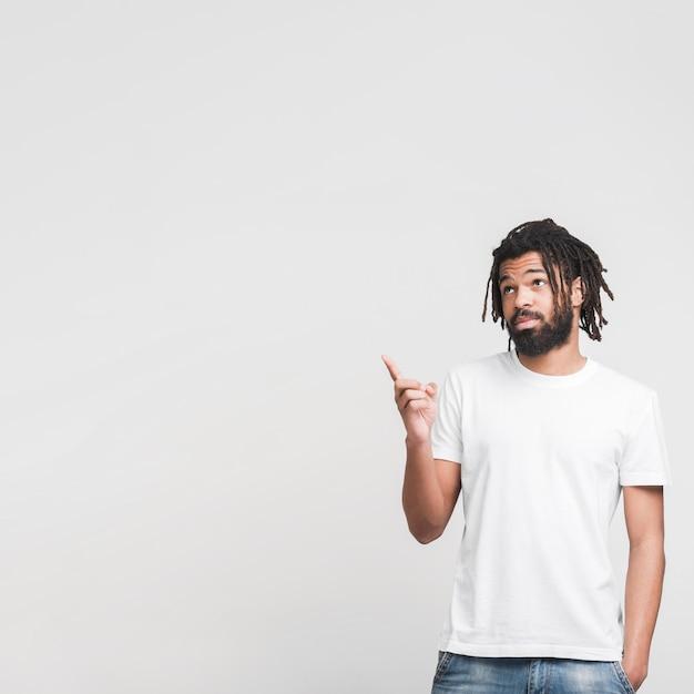 Человек вид спереди, направленный вверх Бесплатные Фотографии