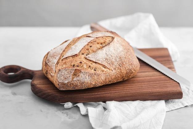 Пищевая композиция с высоким углом хлеба Бесплатные Фотографии