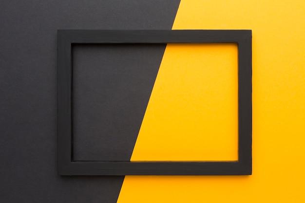 コピースペースと黒いフレームのフラットレイアウト 無料写真