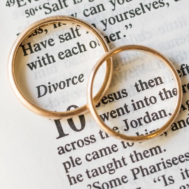 Плоские золотые обручальные кольца Бесплатные Фотографии