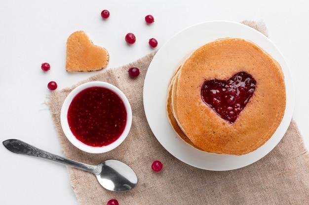 フルーツジャムのパンケーキ 無料写真