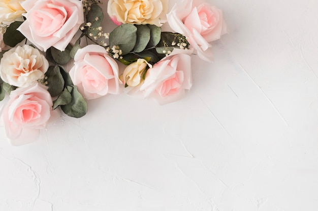 Красивая цветочная концепция с копией пространства Бесплатные Фотографии
