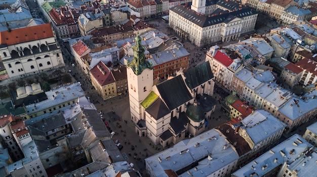 Аэрофотоснимок исторического центра львова, украина. Бесплатные Фотографии