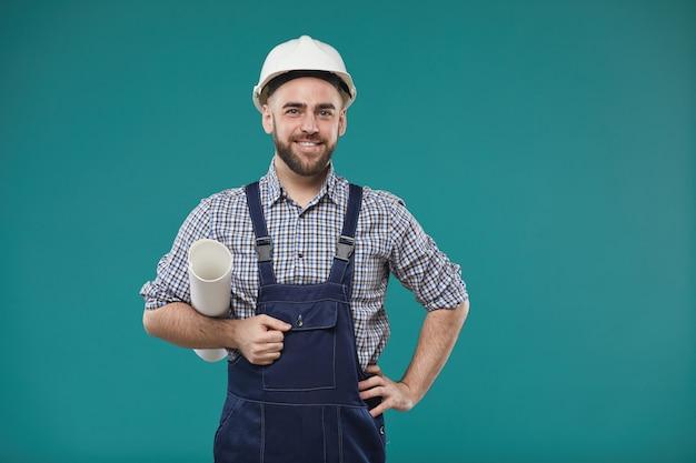 Красивый мужской портрет инженера Premium Фотографии