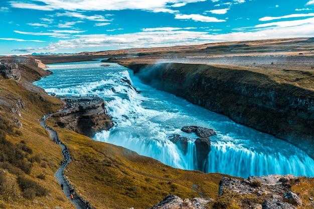 Водопад гульфосс в золотом круге юга исландии Premium Фотографии