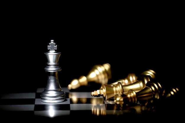 競争と戦略のためのチェス盤ゲーム Premium写真