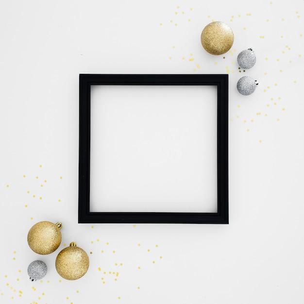 Черная рамка с новогодними украшениями Бесплатные Фотографии