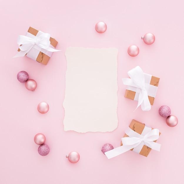 色相ピンクで作られたクリスマスの手紙 無料写真