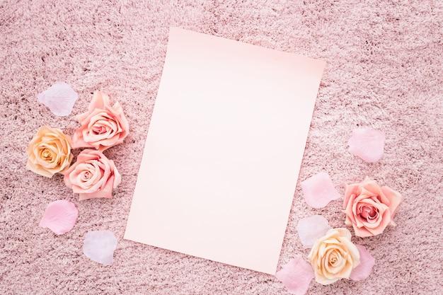 Красивая композиция с розовой палитрой цветов Бесплатные Фотографии