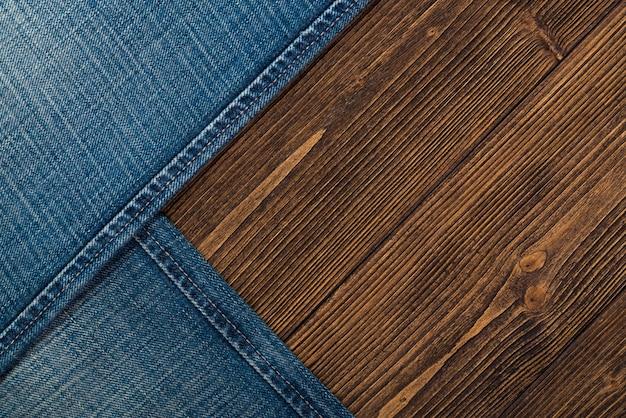 擦り切れたジーンズまたはブルージーンズのデニムコレクション Premium写真