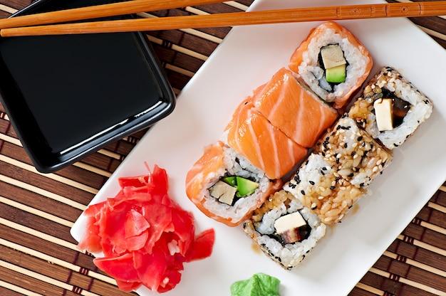 日本食-寿司と刺身 無料写真