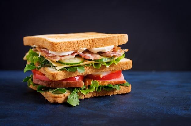 что скажет картинки сэндвичей на черном фоне миссии цикла снежный