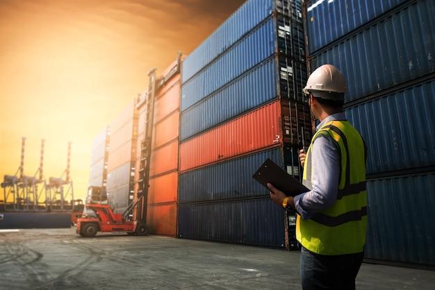 ビジネスロジスティックコンセプト、輸出入コンセプト Premium写真
