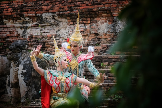 Художественная культура таиланда танцы в масках хон в литературе рамаяна Premium Фотографии