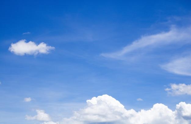 背景の雲と空のテクスチャ Premium写真