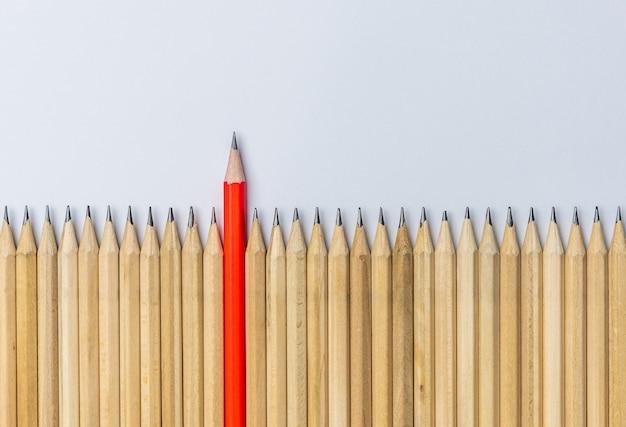 Отличный карандаш выдающегося шоу лидерства. Premium Фотографии