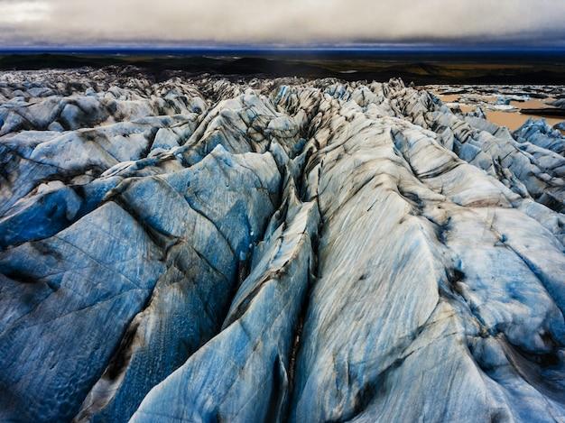 アイスランド、バトナジョクルのスヴィナフェルスヨークトル氷河。 Premium写真