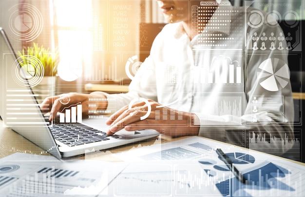 ビジネスと金融の概念のためのデータ分析 Premium写真