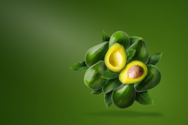 グリーン熟したアボカド組成 Premium写真