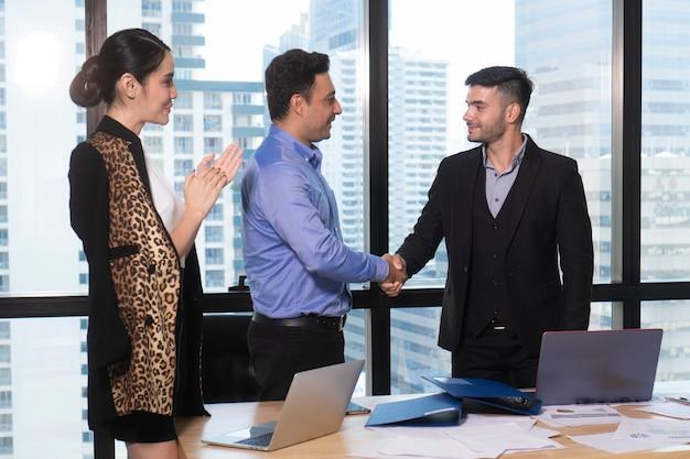 成功した企業家やビジネスマン Premium写真