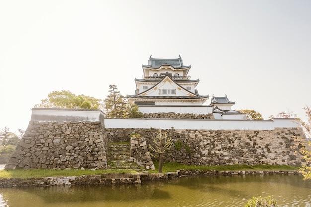 大阪岸和田市岸和田城 Premium写真