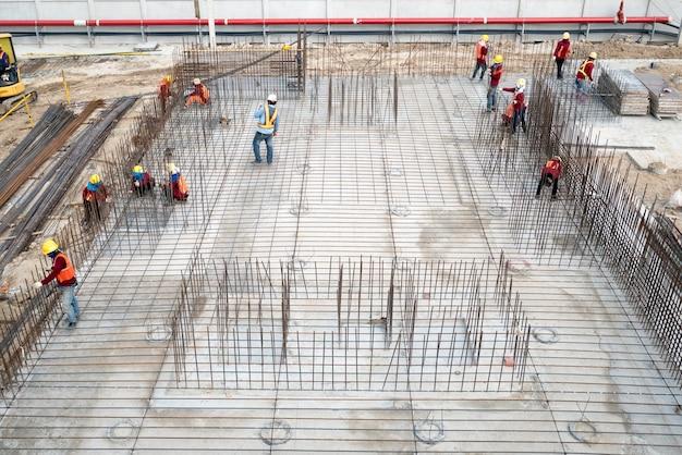 Вид с воздуха на строительное сооружение Premium Фотографии
