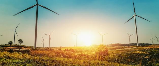 自然の中でコンセプトアイデアエコ電力エネルギー Premium写真