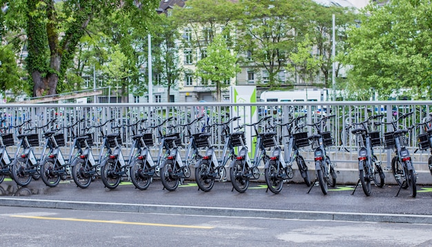 チューリッヒの駐輪場 Premium写真