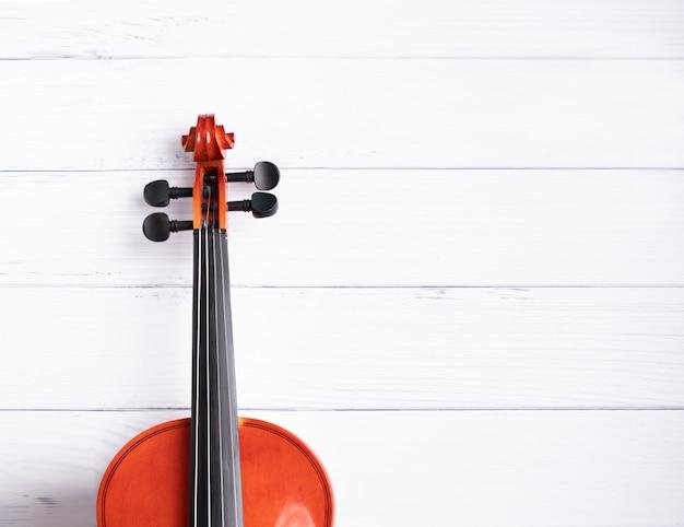 クローズアップショットバイオリンオーケストラ楽器 Premium写真