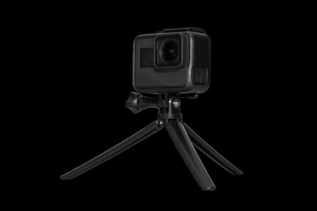 黒に分離されたアクションカメラ Premium写真