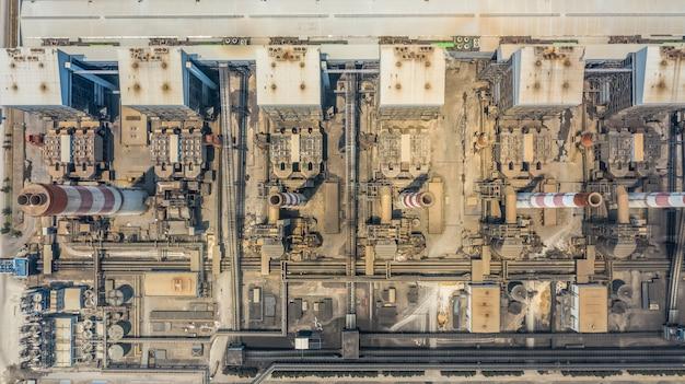 航空写真発電所、産業用発電所。 Premium写真