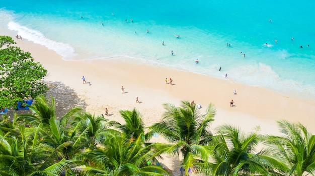 プーケット、タイ南部、スリンビーチの空撮スリンビーチ Premium写真
