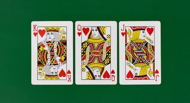 Полная колода игральных карт с простым фоновым казино Premium Фотографии