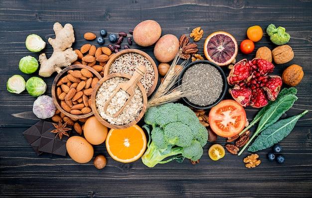 木製に設定された健康食品の選択のための成分 Premium写真