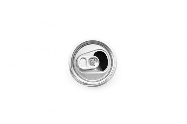 Плоская прокладка из алюминиевой банки открыта на белом фоне Premium Фотографии