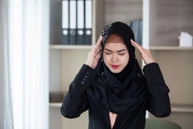 イスラム教徒の女性の肖像画 Premium写真