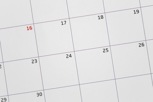 フォーカスする空白のカレンダー Premium写真