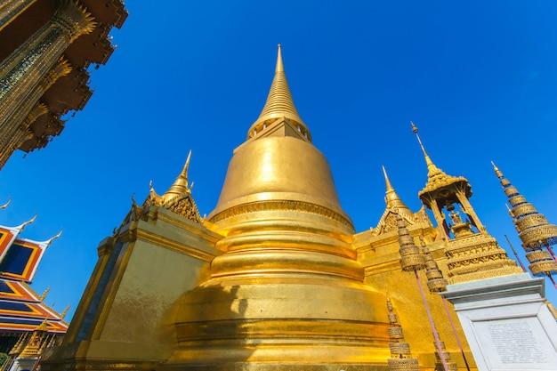 ワットプラケオ、エメラルド寺院、バンコク、タイ。 Premium写真