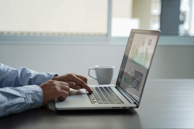 カスタマーマーケティング営業ダッシュボードグラフィックスコンセプト事業 Premium写真