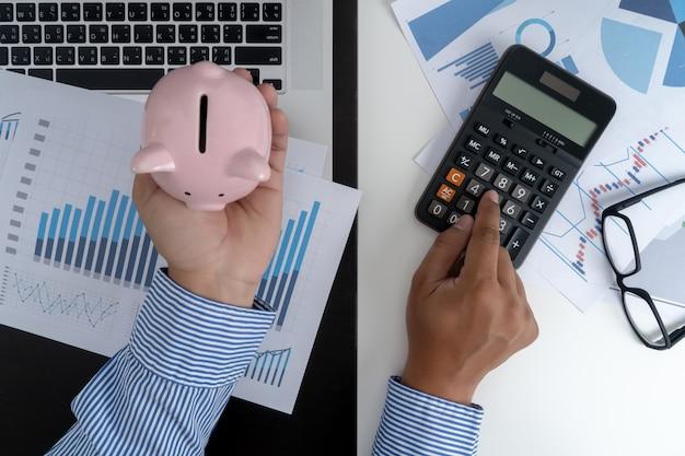 Расчет чисел, финансовый учет граф финансов с социальной сетью Premium Фотографии