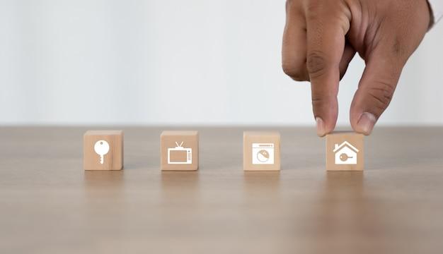 Домашняя медицинская страховка концепция здравоохранения медицинской финансовой концепции смайлик значки Premium Фотографии