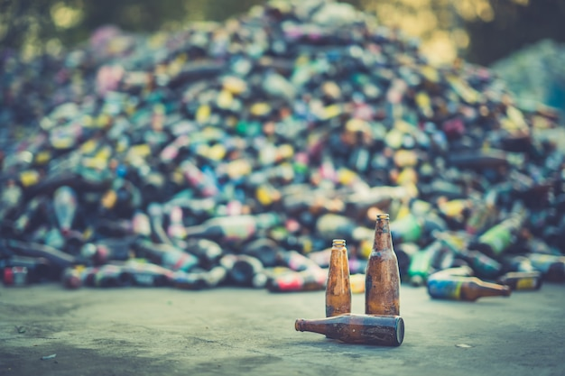 リサイクル産業用地上ボトル Premium写真