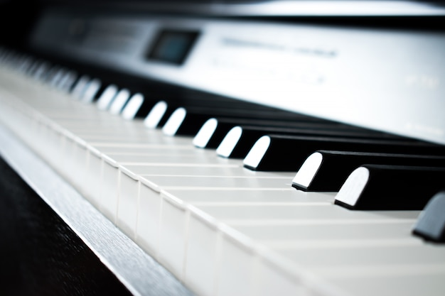 音楽練習室のピアノの写真。 Premium写真