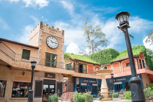 ヨーロピアンスタイルで装飾されたパリオカオヤイの写真。カオヤイ国立公園の近くの観光と写真の場所です Premium写真