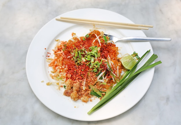 パッタイ、タイ料理(タイの郷土料理) Premium写真