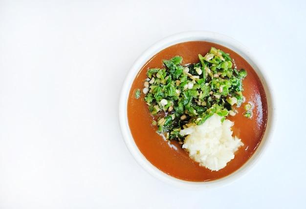 トップビューチリペーストのタイ料理。タイのディープスパイシーソース Premium写真