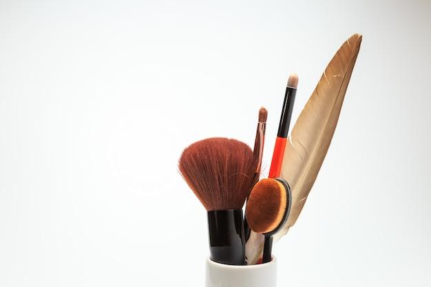 化粧品ホワイトバックグラウンド Premium写真