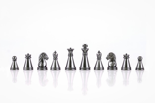白い背景で隔離のチェスの数字のセット Premium写真