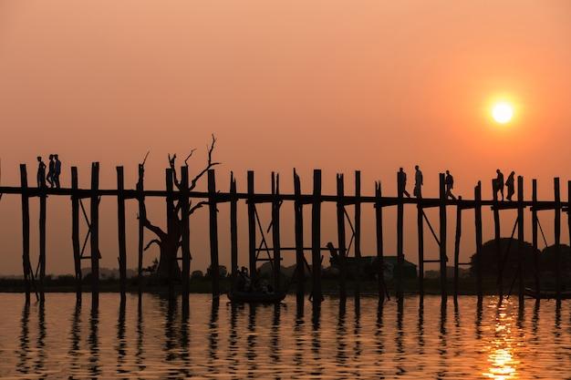 Мост бирмы Premium Фотографии