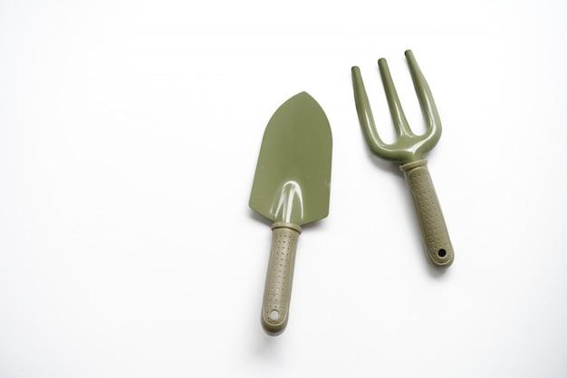 木、シャベル、フォークをシャベルで植えるためのツール Premium写真